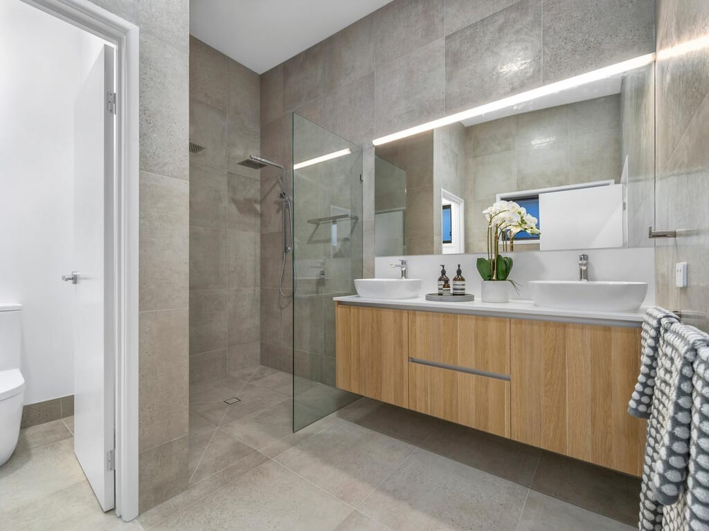 Large Brisbane bathroom renovation